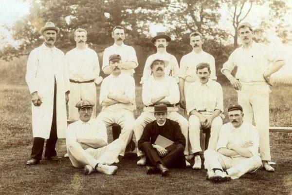 Early 1900s cricket team