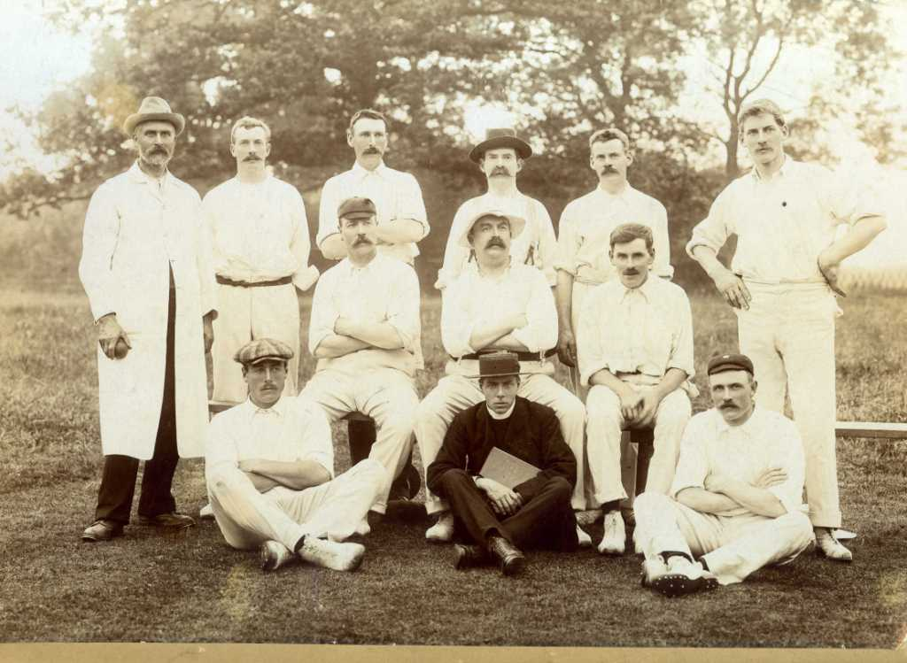 Early 1900s cricket team